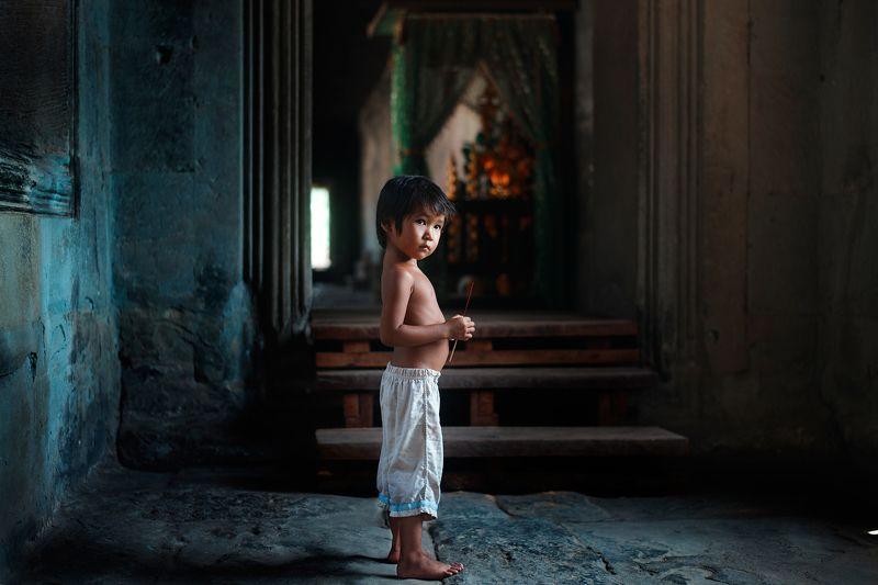 Камбоджийский мальчикphoto preview