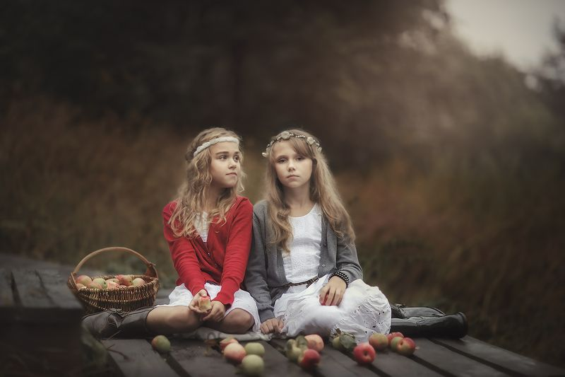 природа,девушки,прогулка яблочный спасphoto preview