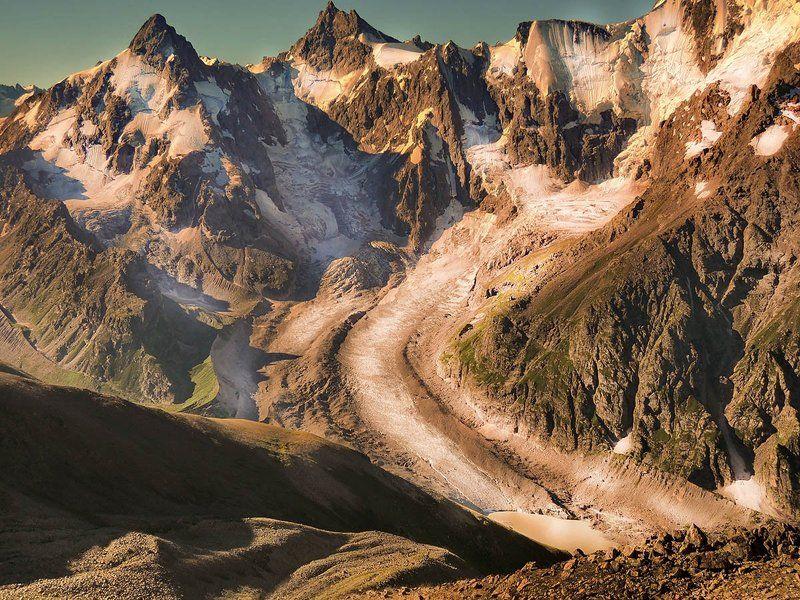 кавказ, рассвет Затерялся в горах ледникphoto preview