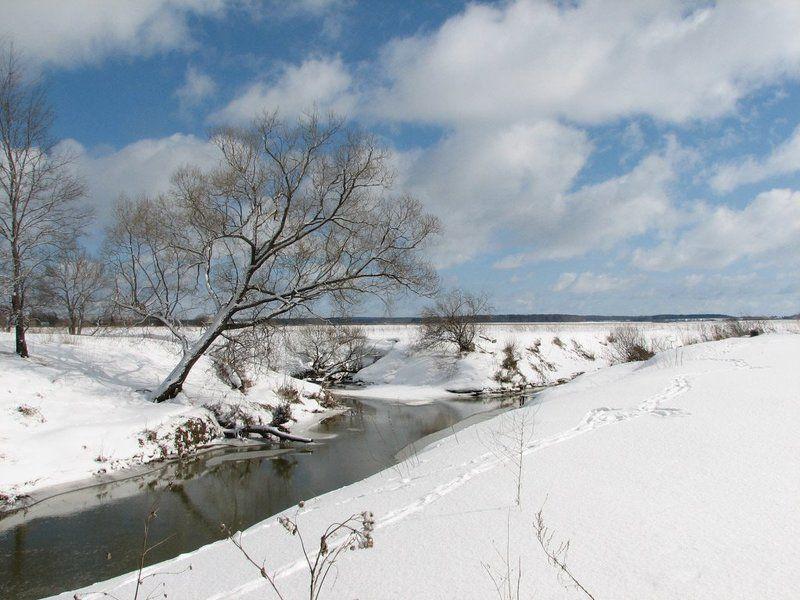 полдень, зима, снег, река, солнце,   облака Полденьphoto preview