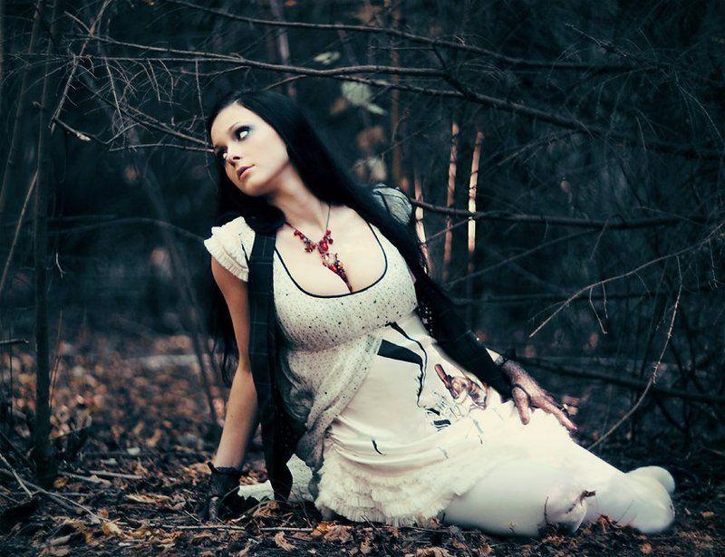 лена, лес, платье, ожурелье photo preview