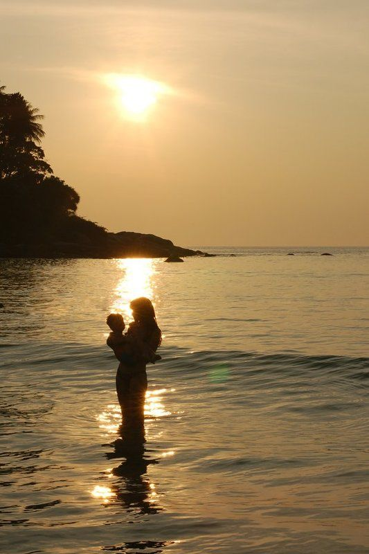 thai, пляж, море, солнце, силуэт, мама, ребенок ***photo preview