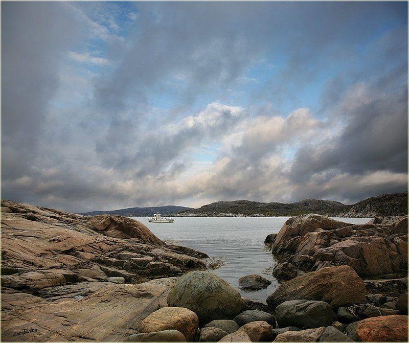 баренцево море, малая немецкая бухта, камни, июнь 2009 Про холодные камни, Баренцево море и белый корабликphoto preview