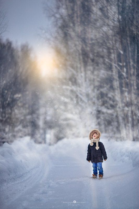 зима, мальчик По дорогеphoto preview