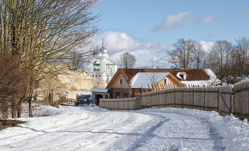 изборск, зима, снег Солнечный денек в Изборске...photo preview