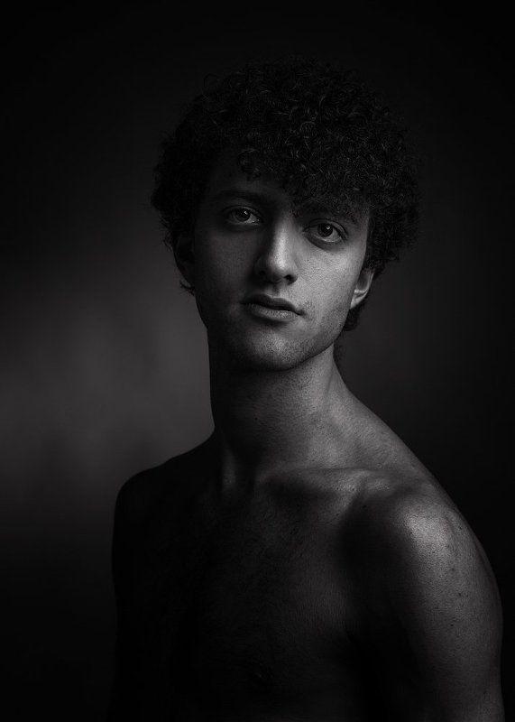 Портрет юношиphoto preview