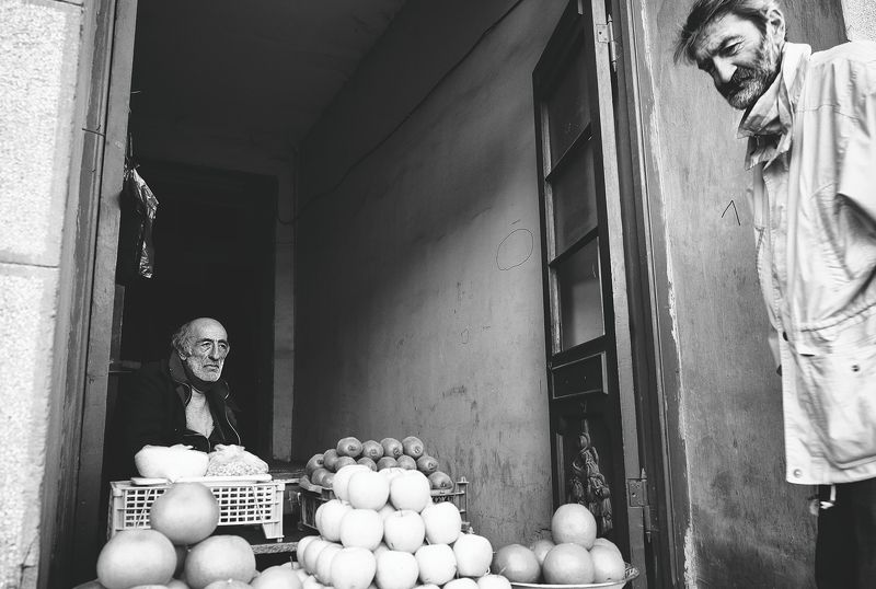 #tbilisi, #aghmashenebelistr, #oldman, #trade *photo preview