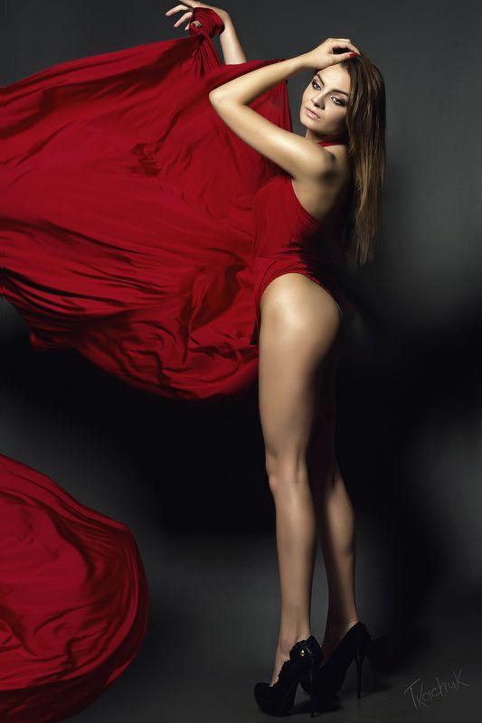 Модель#арт#студия#жанр#ню#девушка#красное платье# Just do it!photo preview