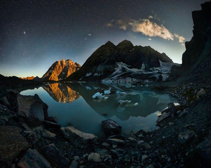 Горы ночьюphoto preview