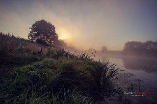 Туманный рассвет на реке Сестра.