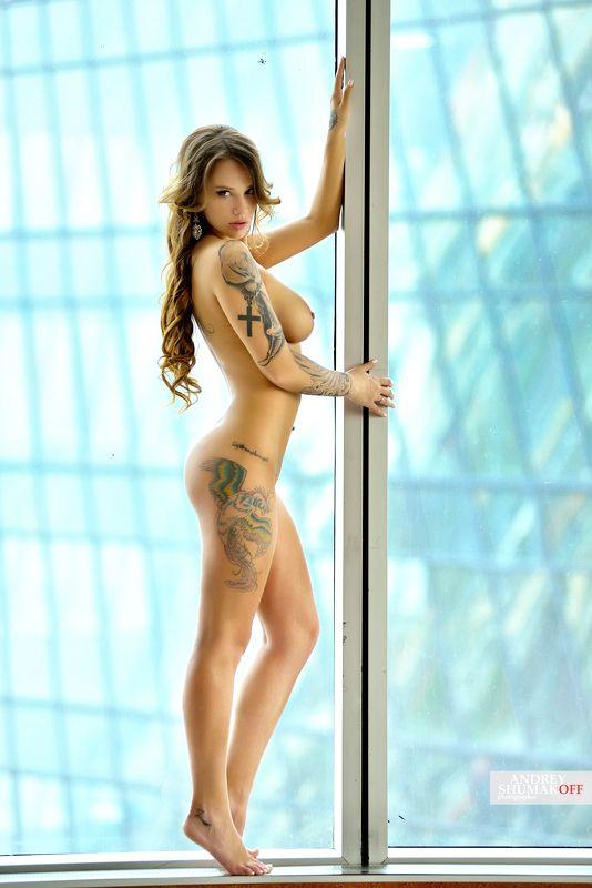 девушка окно girl nude *photo preview