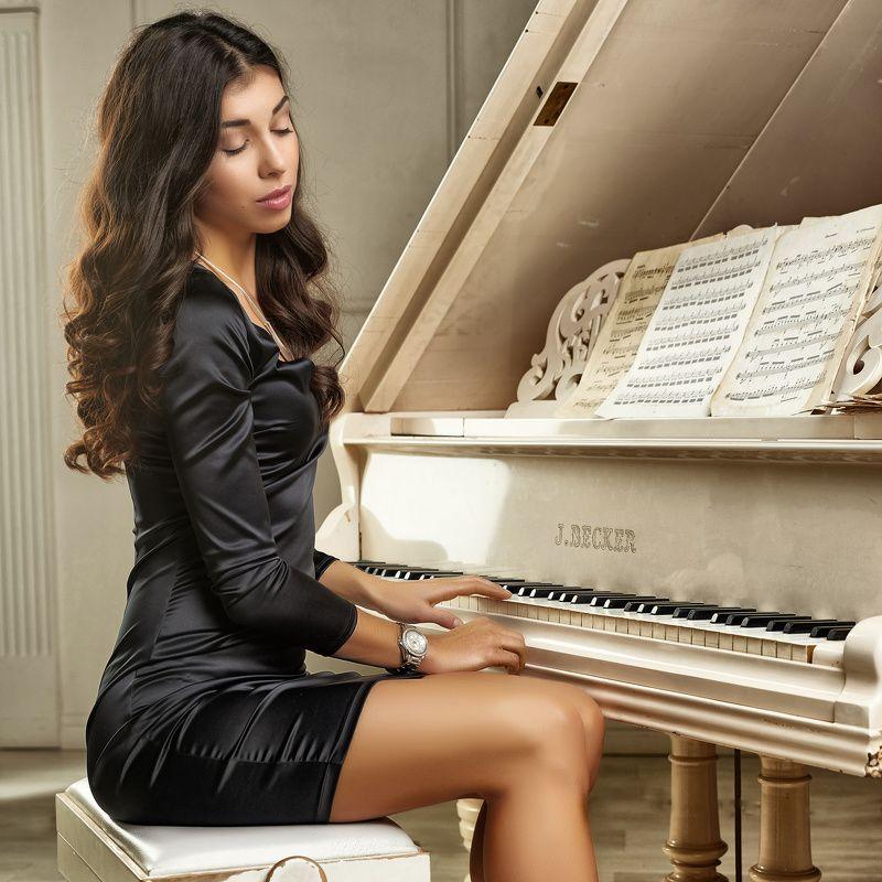 портрет, девушка, рояль, студия Esmiraphoto preview