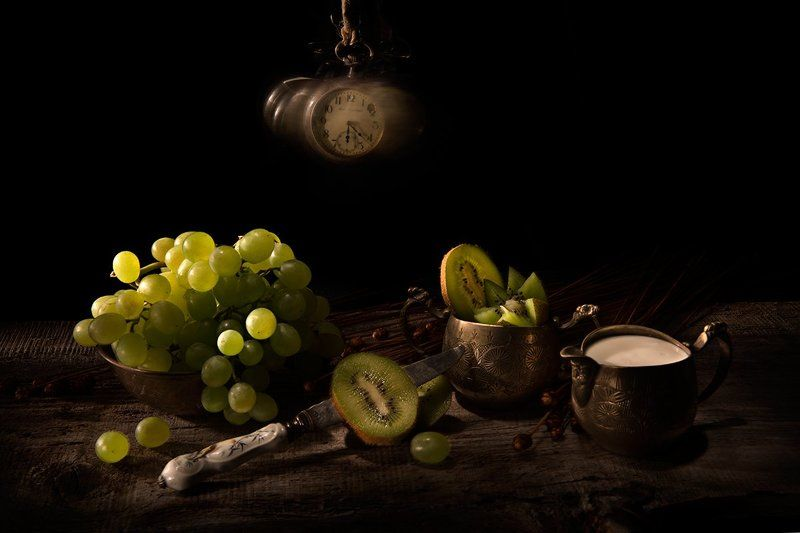 Kiwi, grapes, clock, time, knife, old, vintage Kiwi, grapes and timephoto preview