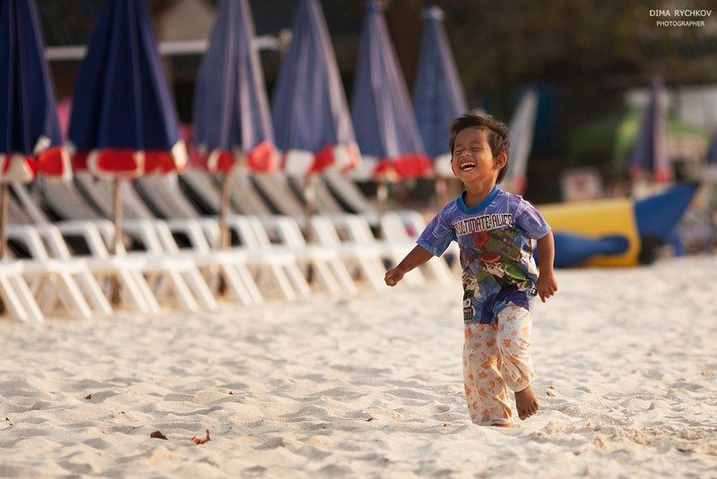 Лето, Пляж, Таиланд Туристы уехалиphoto preview
