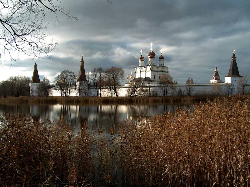 пейзаж, иосифо волоцкий монаятырь, московская область, тучи, лед, вода, камыш Ноябрьским утромphoto preview
