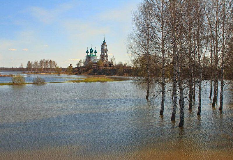 весна, разлив большая водаphoto preview