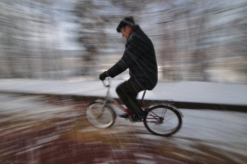 Biking, Snow, Велосипед Biking In Marchphoto preview