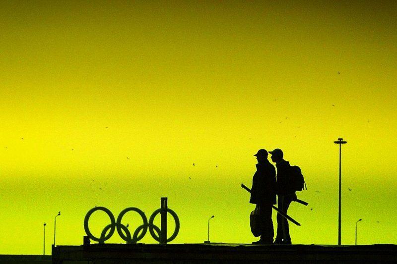 сочи, закат, вечер, сочинская набережная, силуэты, фотограф в сочи даниэлла андреева Апрельский вечер в Сочиphoto preview