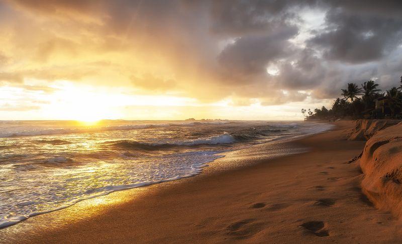 закат, шторм, небо, солнце, дождь Теплый закат. Шри-Ланкаphoto preview