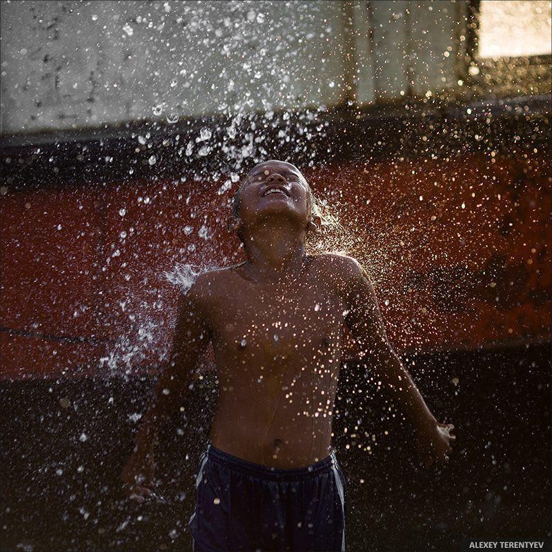дети, жизнь, счастье, вода Детство не бывает не счастливым...photo preview