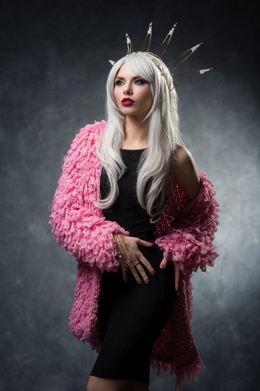 Fashion, Гламур, Девушка в короне, Девушка в свитере, Мода Настяphoto preview