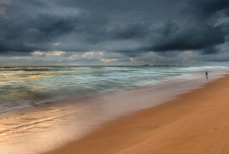 шторм, океан, облака, Шри-Ланка,  Шторм и песчинкаphoto preview