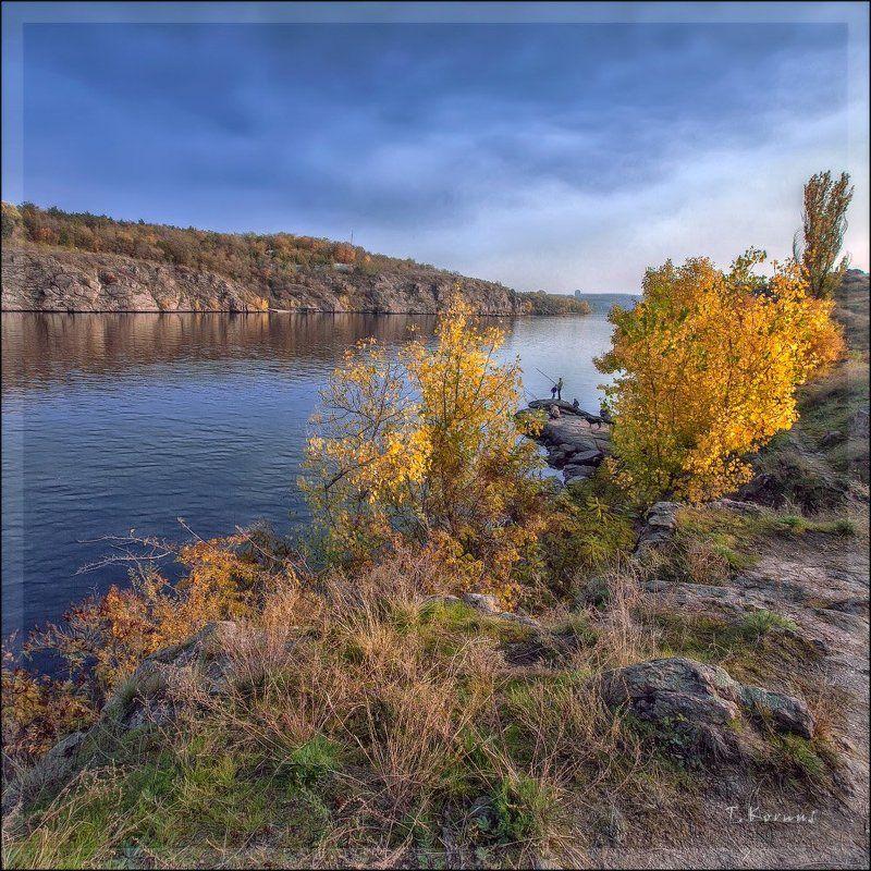 река,скалы,рыбаки,осень *photo preview