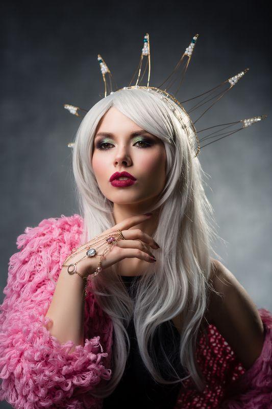 Гламур, Девушка в короне, Корона Царевнаphoto preview