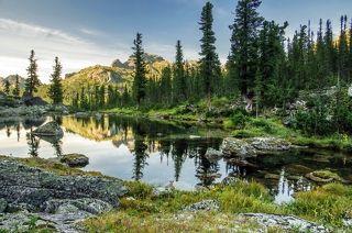 вечер на горном озере
