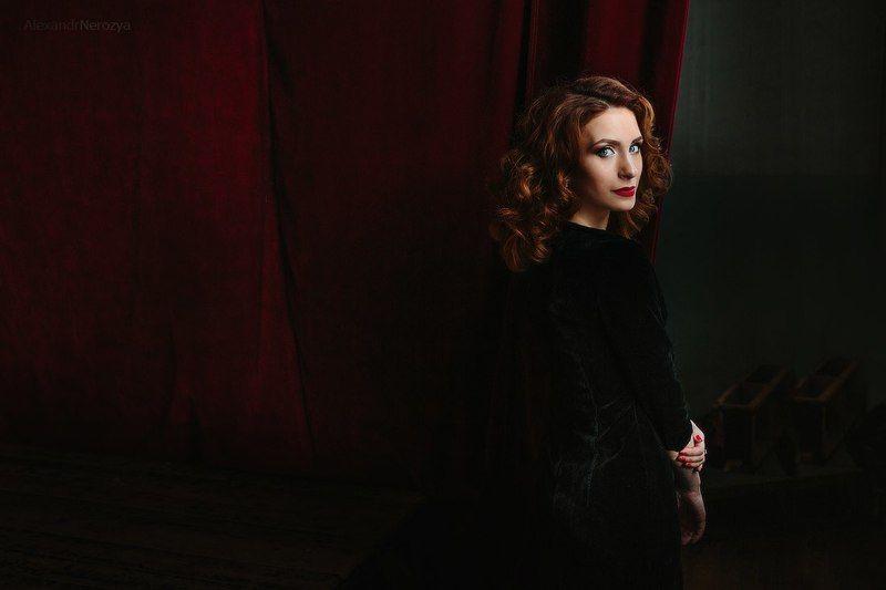 портрет, девушка, театр, занавес, красивая, секси, нерозя, portrait, beauty, woman Аннаphoto preview