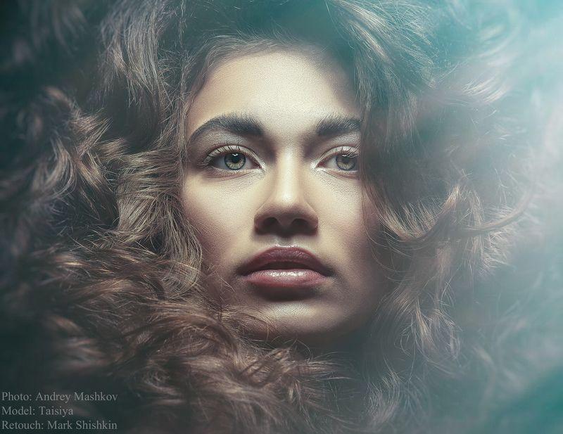 Портрет, глаза, красота, взгляд, девушка, волосы, студия Таисияphoto preview