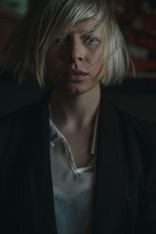 портрет, модель, девушка Косые линии судьбыphoto preview