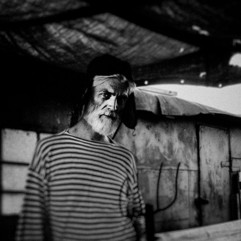 мужской портрет, мужчина, портрет В деревнеphoto preview