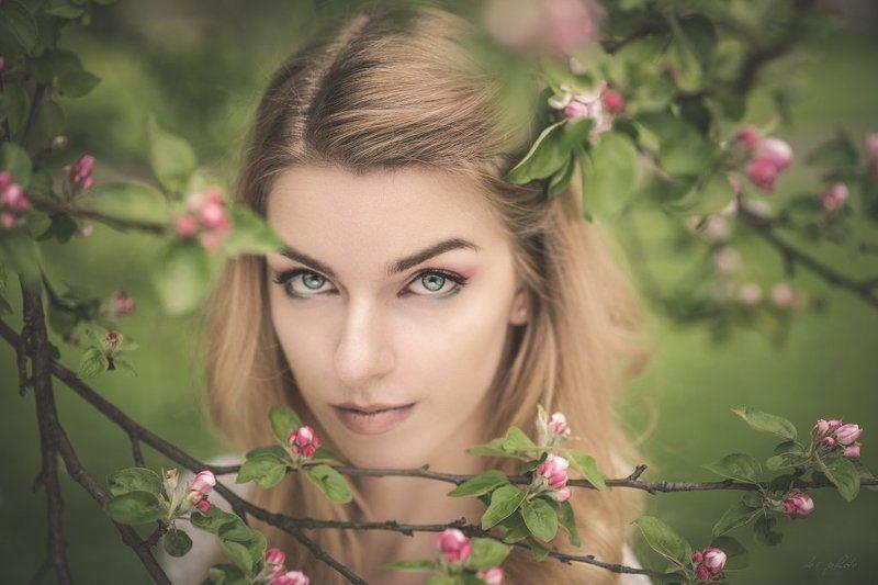 Blonde, Flowers, Portrait, Spring Samiphoto preview