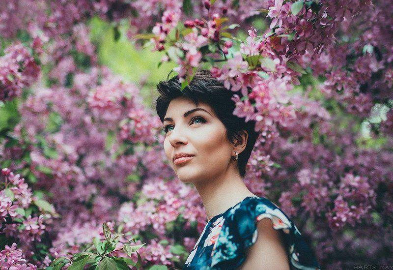 портрет, яблони, сад, цветение, Ольгаphoto preview