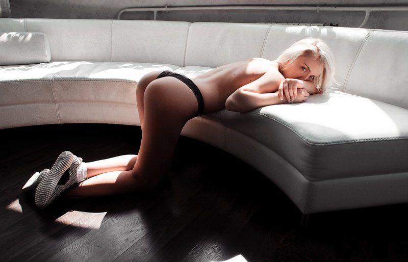 диван,девушка,белый,af,2016 из серии whitephoto preview