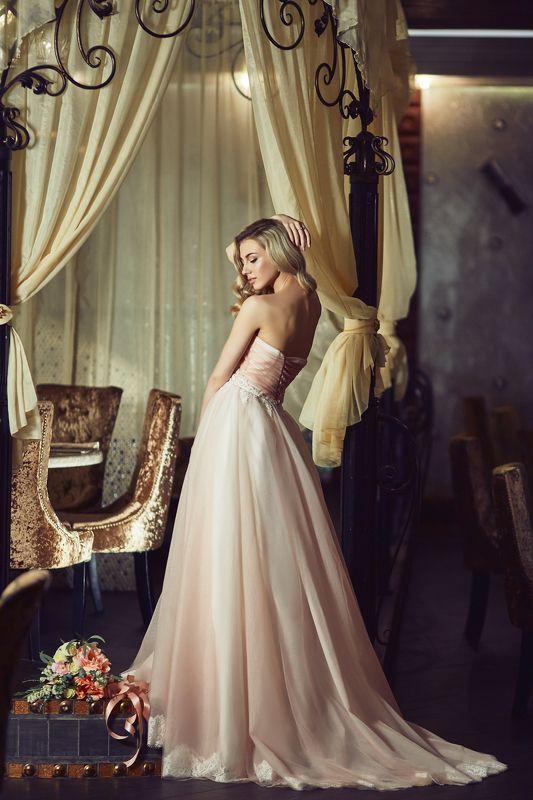 Букет, Модель, Невеста, Невеста в платье, Свадебное платье, Худая девушка, Худая невеста photo preview