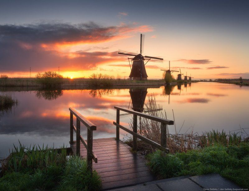 Пейзаж, Мельница, Вода, канал, река, Голландия, Киндердейк, облака, рассвет, отражение, солнце Рассвет в Киндердейке (Голландия) photo preview
