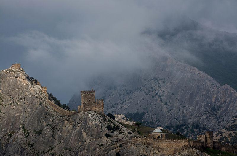 крым, май, судак, горы Генуэзская крепостьphoto preview