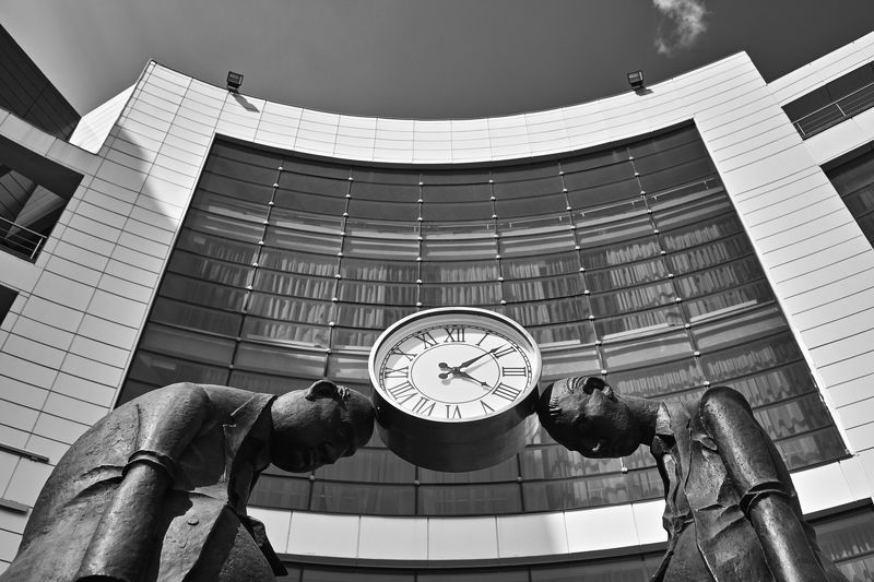 sky, landscape, city, people, street, travel, bw, urban, architecture, cityscape, building, monument, man, white, 50mm, monochrome, black, time, run, watch, world, end, clock, age, human, social, problem, caste, stand, slave, чб, город, пейзаж, архитектур Рабы времениphoto preview
