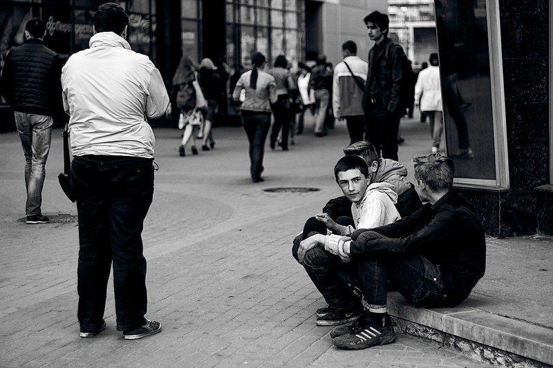 беспризорники, люди, город, чб, питер Гаврошиphoto preview