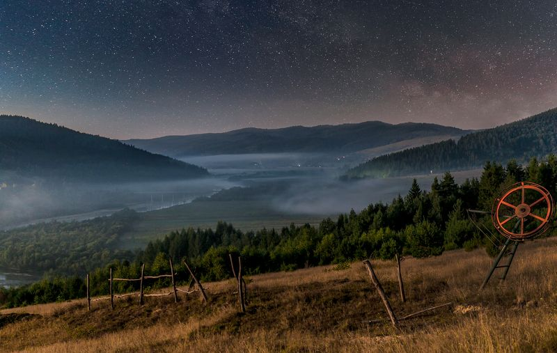 ночь, звезды, горы, Карпаты,река Тиха украинская ночьphoto preview