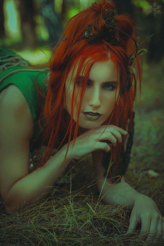 девушка, лес, кикимора, мох, трава Кикимора леснаяphoto preview