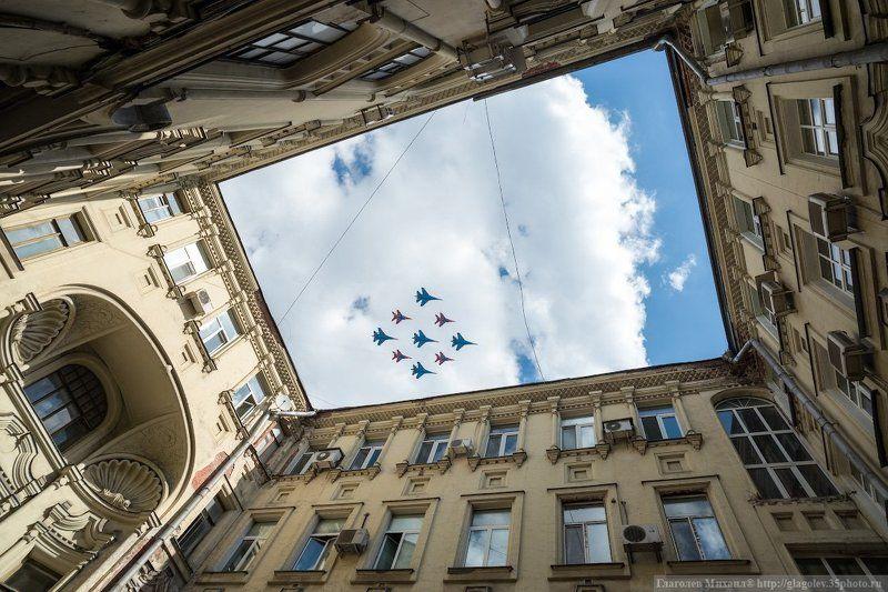 Кубинский бриллиант в московских домах- колодцах и не толькоphoto preview