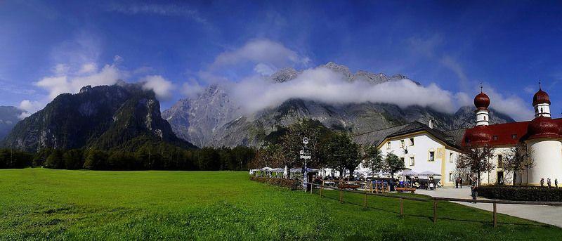 панорама,пейзаж,горы,альпы На пики возвышающихся гор,  Надеты облачные вуалетки....photo preview