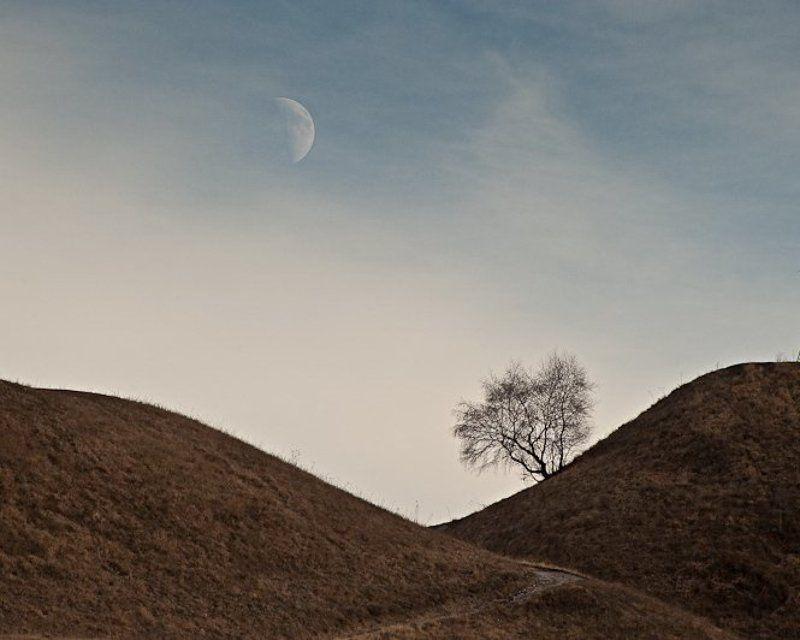 луна, горы Рождение Луныphoto preview