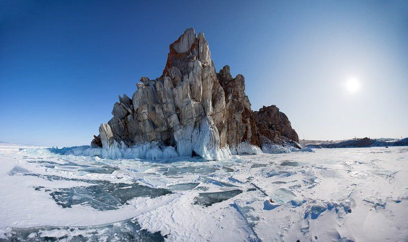 байкал, зима мраморная скала в Хужиреphoto preview