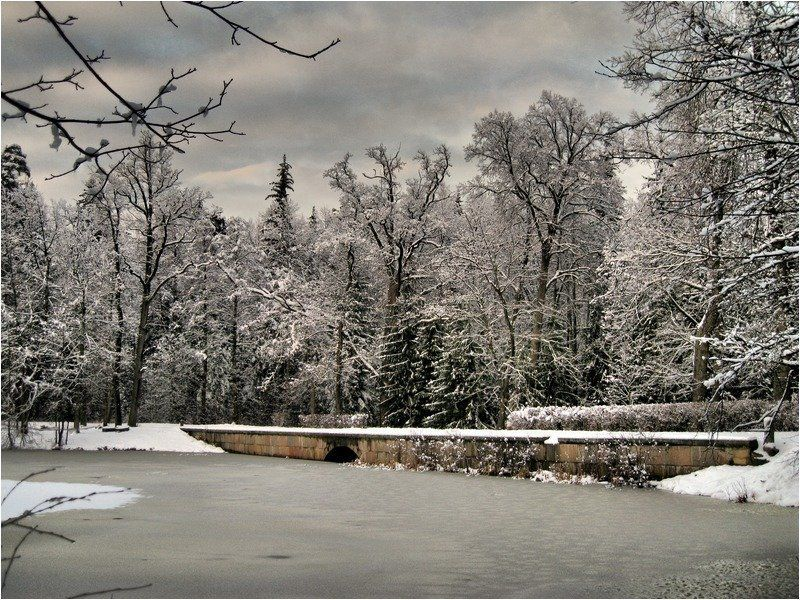 петергоф,парк лейхтенбергских Мостикphoto preview