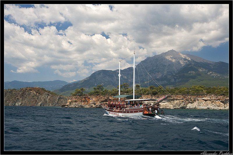 море, горы, яхта Пакатушкиphoto preview