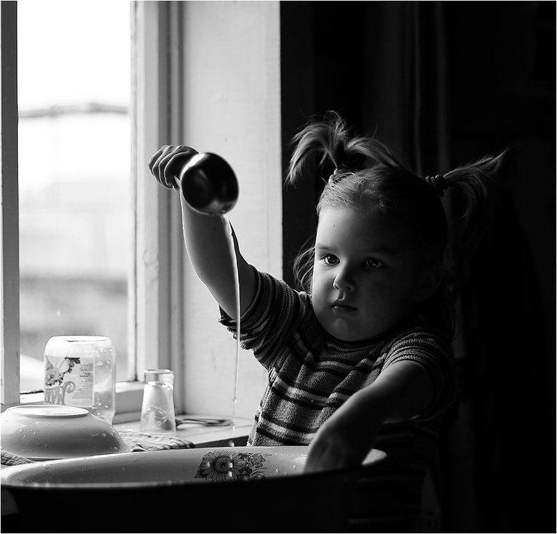 о сконцентрированности, илья шалафаев, детский портрет, посудомойшица о сконцентрированностиphoto preview